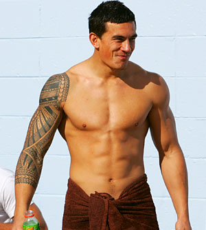 sonny-bill-williams-shirtless-13090-7335